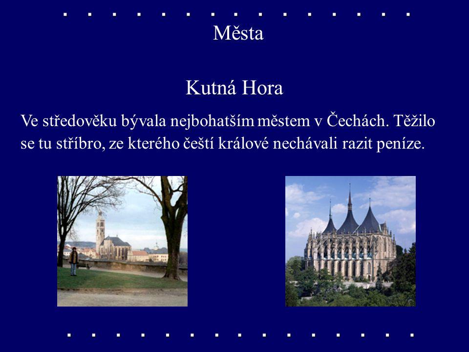 """Města Kolín """"Stojí v pěkné rovině"""", vede přes něj hlavní železniční trať na Moravu. Je tu chemický průmysl a výroba automobilů."""