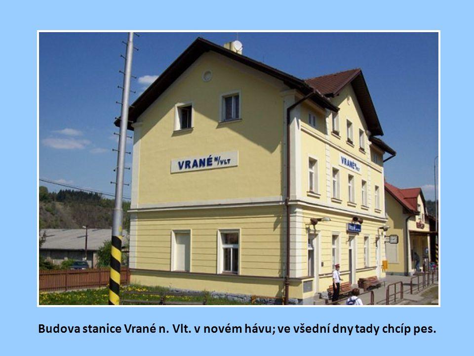 Jak je patrno ze staré pohlednice z dob c.k. monarchie, ve stanici Vrané n.Vlt. se třemi dopravními kolejemi bejvával kdysi velký šrumec.