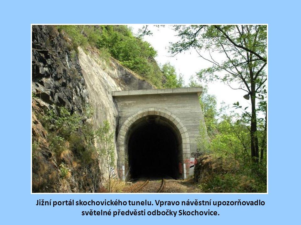 Severní portál prvního tzv. skochovického tunelu před Davlí po rekonstrukci.
