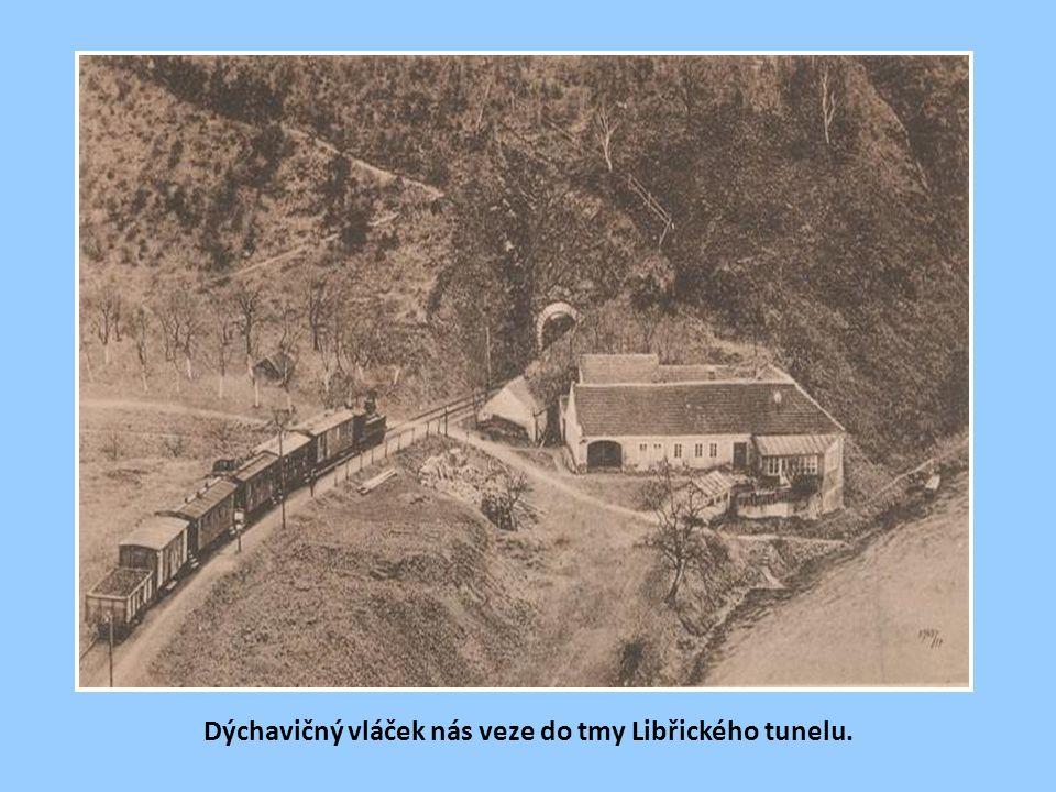 Jižní portál skochovického tunelu. Vpravo návěstní upozorňovadlo světelné předvěsti odbočky Skochovice.