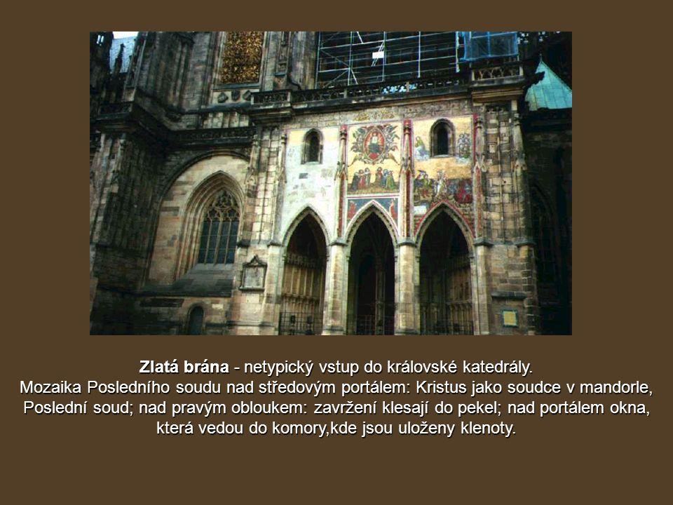 Zlatá brána - netypický vstup do královské katedrály. Mozaika Posledního soudu nad středovým portálem: Kristus jako soudce v mandorle, Poslední soud;