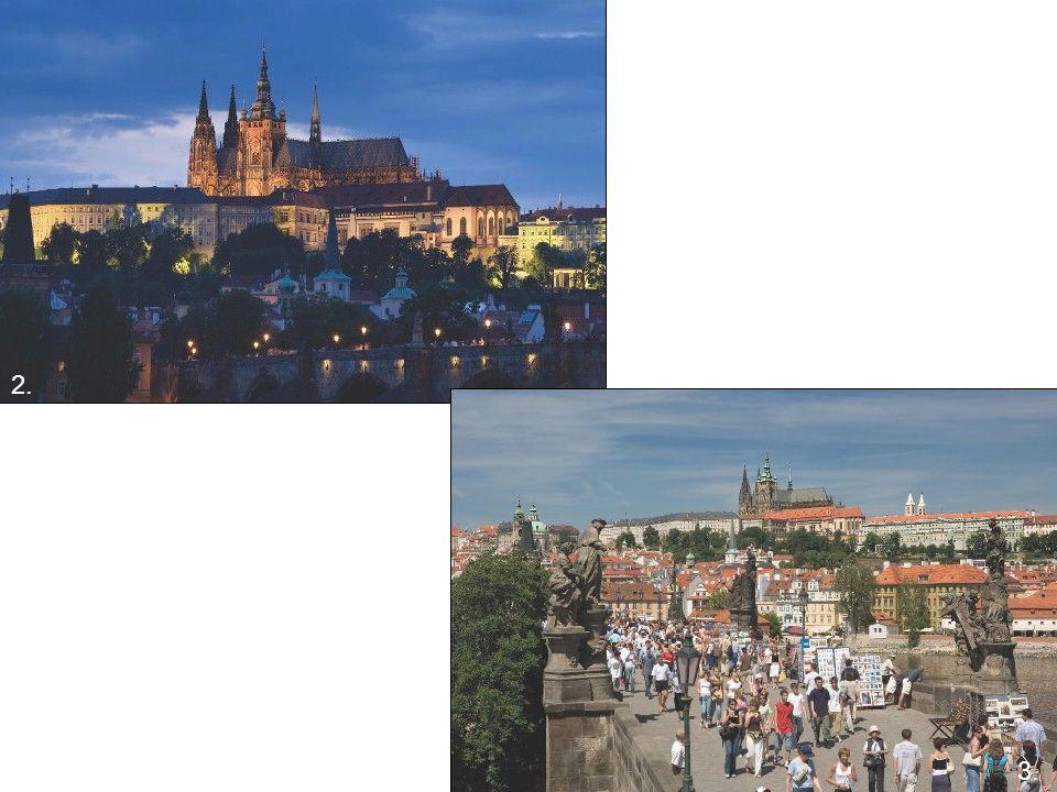 Český Krumlov (video 1 min.)Český Krumlov zapsán v roce 1992 jedinečná městská zástavba nad meandry řeky Vltavy, především ze 16.