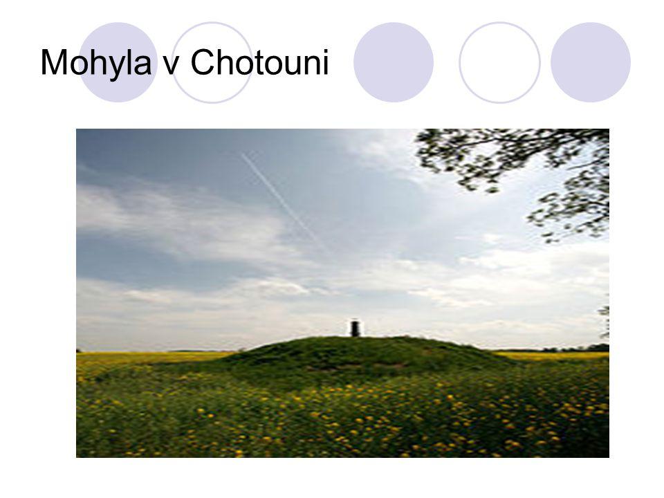 Mohyla v Chotouni