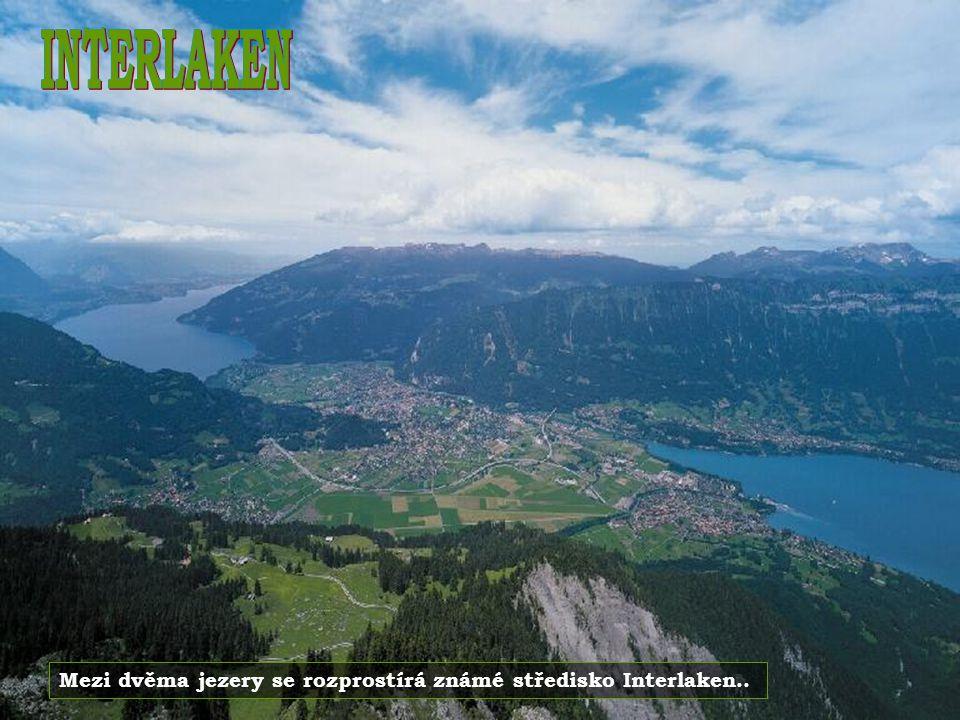 Druhým největším městem ve Švýcarsku je Ženeva. Leží na břehu stejnojmenného jezera.