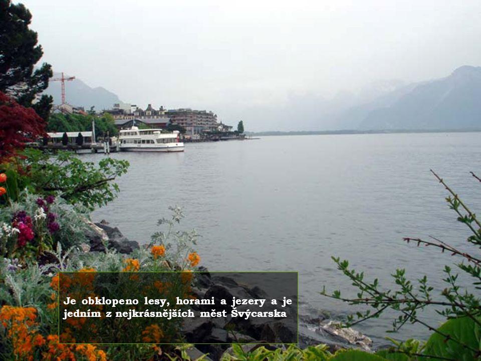 Mezi dvěma jezery se rozprostírá známé středisko Interlaken..