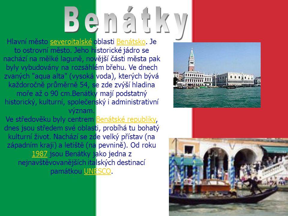 Hlavní město severoitalské oblasti Benátsko.Je to ostrovní město.