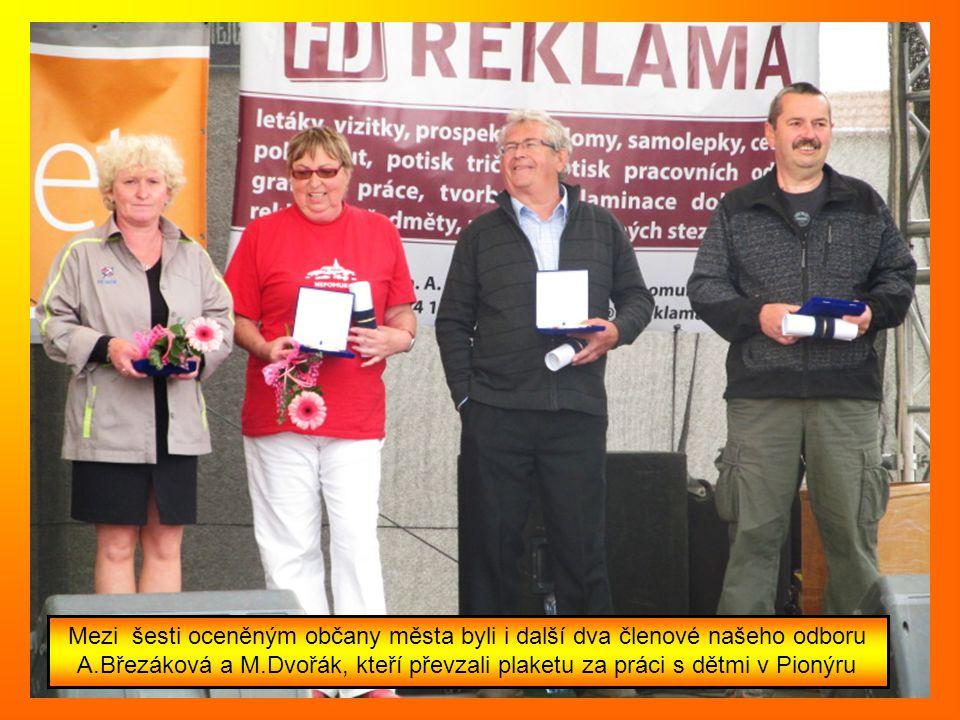 Ocenění od starosty města převzala naše předsedkyně Helena Sedláčková