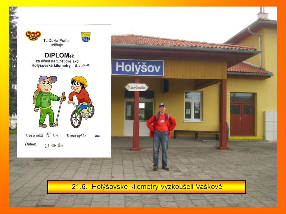 Mezi šesti oceněným občany města byli i další dva členové našeho odboru A.Březáková a M.Dvořák, kteří převzali plaketu za práci s dětmi v Pionýru