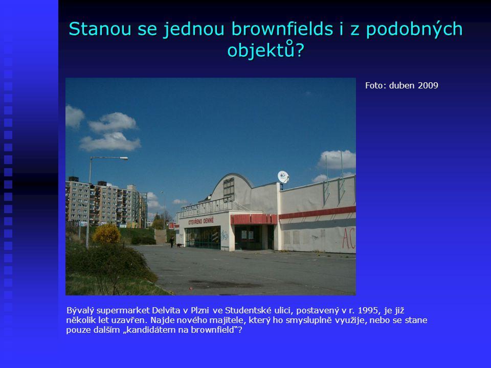 Stanou se jednou brownfields i z podobných objektů? Foto: duben 2009 Bývalý supermarket Delvita v Plzni ve Studentské ulici, postavený v r. 1995, je j