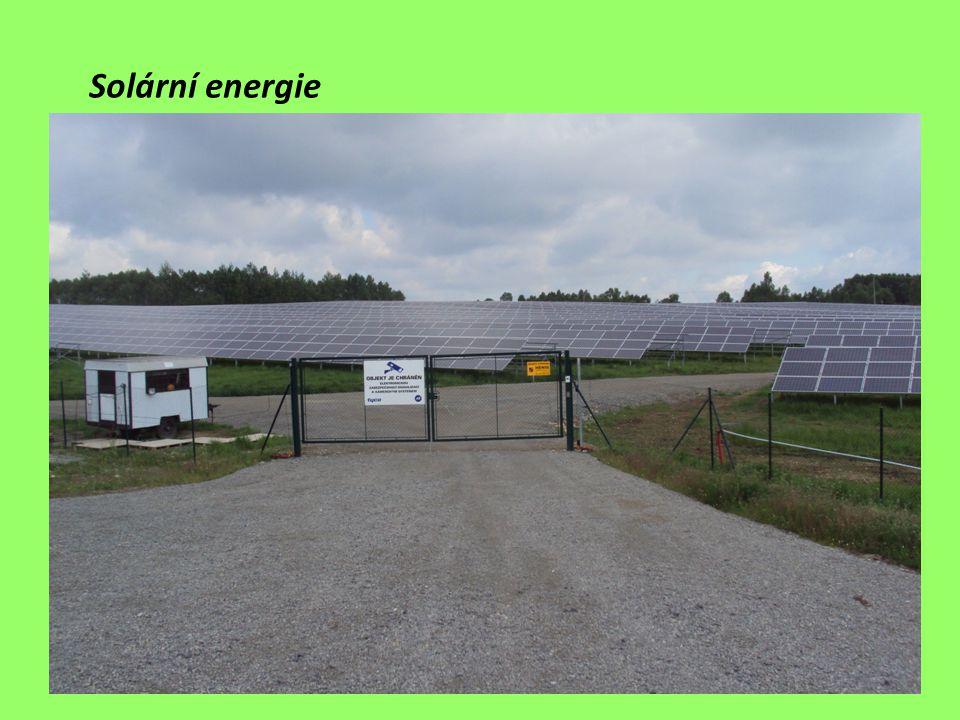 největším zdrojem energie (zatím omezeně využívaným) je sluneční záření rostlinné a živočišné produkty jsou využívány od dávnověku (např.