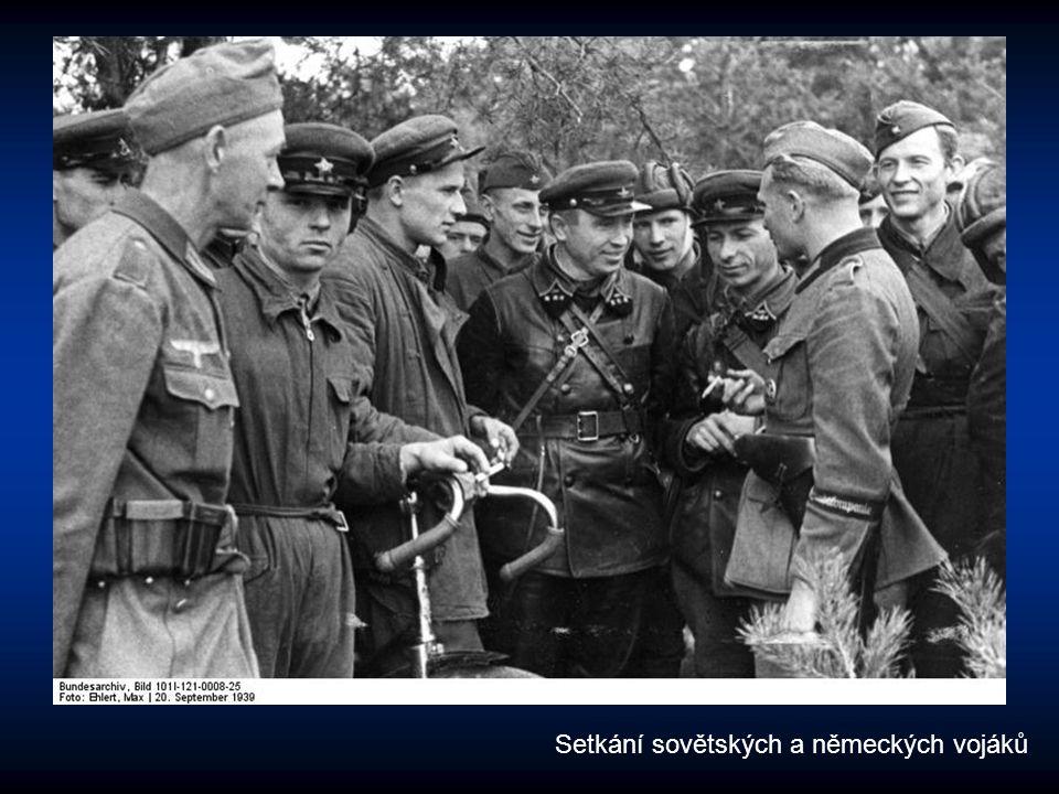 Setkání sovětských a německých vojáků