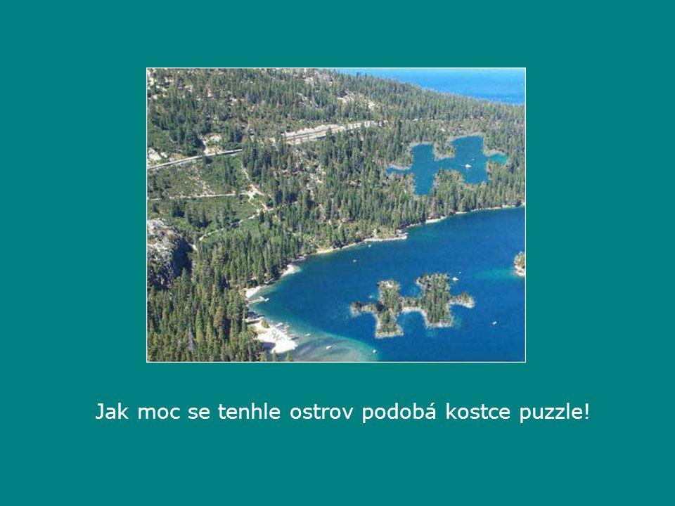 Jak moc se tenhle ostrov podobá kostce puzzle!