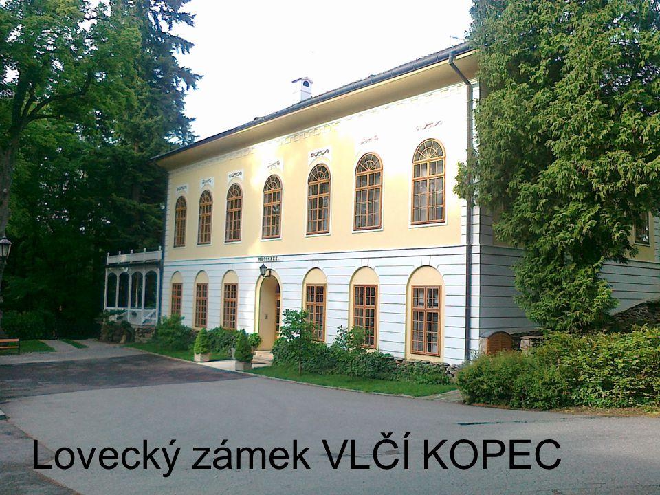Nevelký lovecký zámek Vlčí kopec stojí v parkově upraveném lese vysoko nad pravým břehem řeky Oslavy.