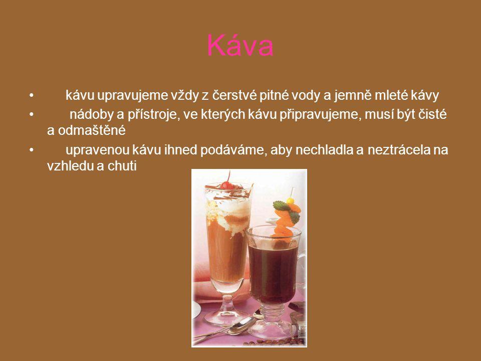 Výrobky z kávy Kávové lanýže 1/3 šálku čerstvě připraveného espresa, 2 lžičky jemně mleté kávy 7/8 šálku krystalového cukru, 1 šálek mletých mandlí, 1/2 lžičky mandlového extraktu 1/2 šálku cukru smícháme s espresem, dáme do malého hrnečku, kde se za občasného míchání vaří na středním plameni až tekutina získá konzistenci sirupu, pak se přidají mandle a jemně rozmíchají.
