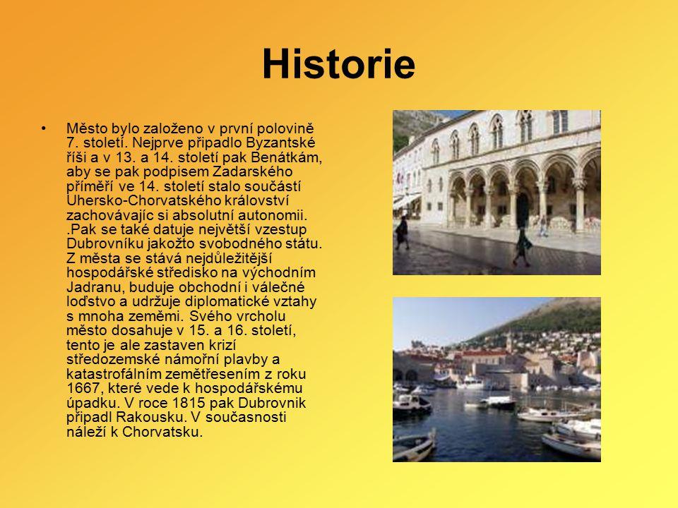 Historie Město bylo založeno v první polovině 7. století. Nejprve připadlo Byzantské říši a v 13. a 14. století pak Benátkám, aby se pak podpisem Zada