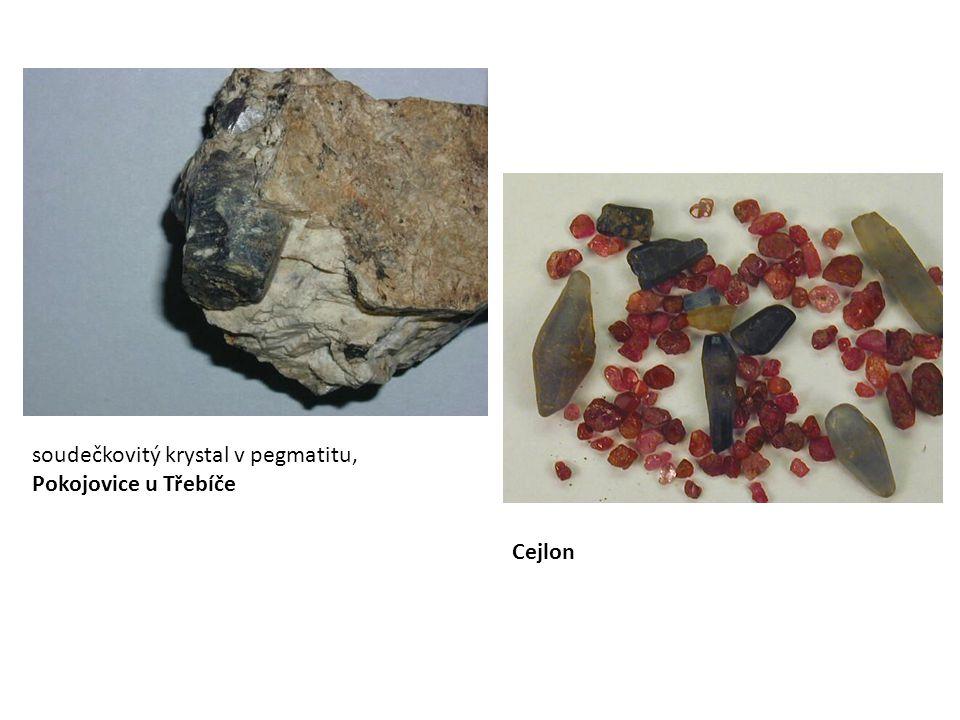 soudečkovitý krystal v pegmatitu, Pokojovice u Třebíče Cejlon