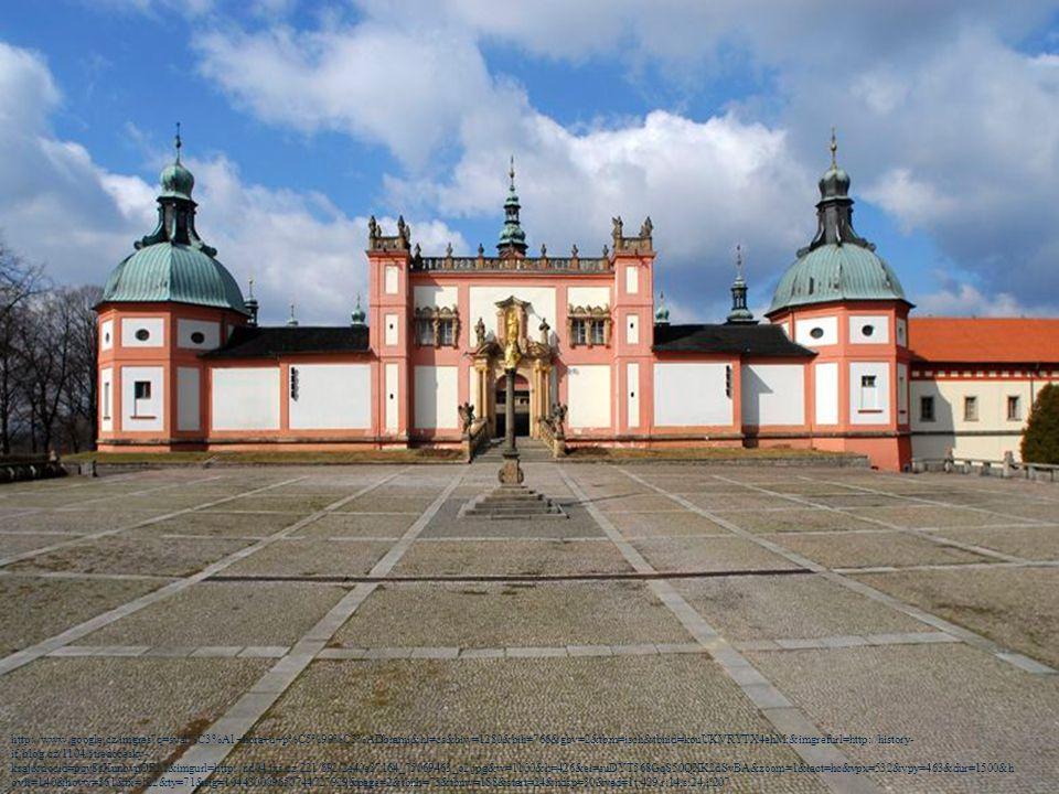 SVATÁ HORA, Příbram - významný barokní areál a mariánské poutní místo na vrchu u Příbrami - areál - obdélný komplex ambitů se čtyřmi kaplemi v rozích (Plzeňská, Pražská, Mníšecká a Mariánská), uvnitř na vysoké kamenné terase stojí původně gotický kostel Panny Marie, přestavěný a rozšířený v letech 1648–1673 za účasti architekta C.