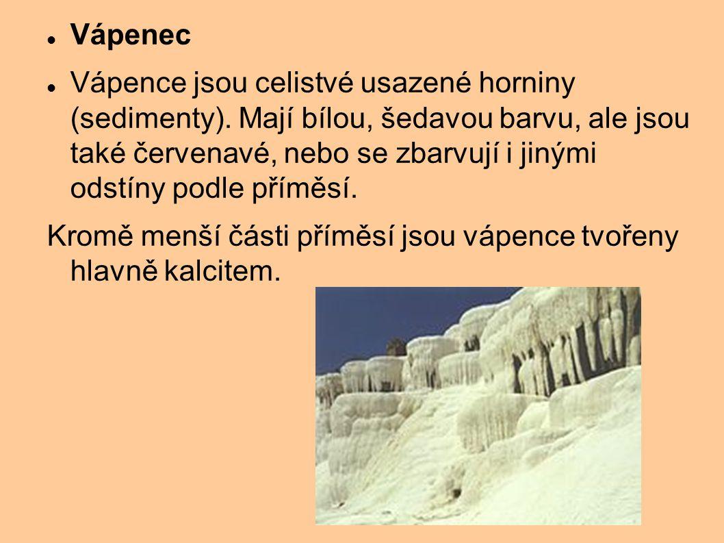 Vápenec Vápence jsou celistvé usazené horniny (sedimenty). Mají bílou, šedavou barvu, ale jsou také červenavé, nebo se zbarvují i jinými odstíny podle