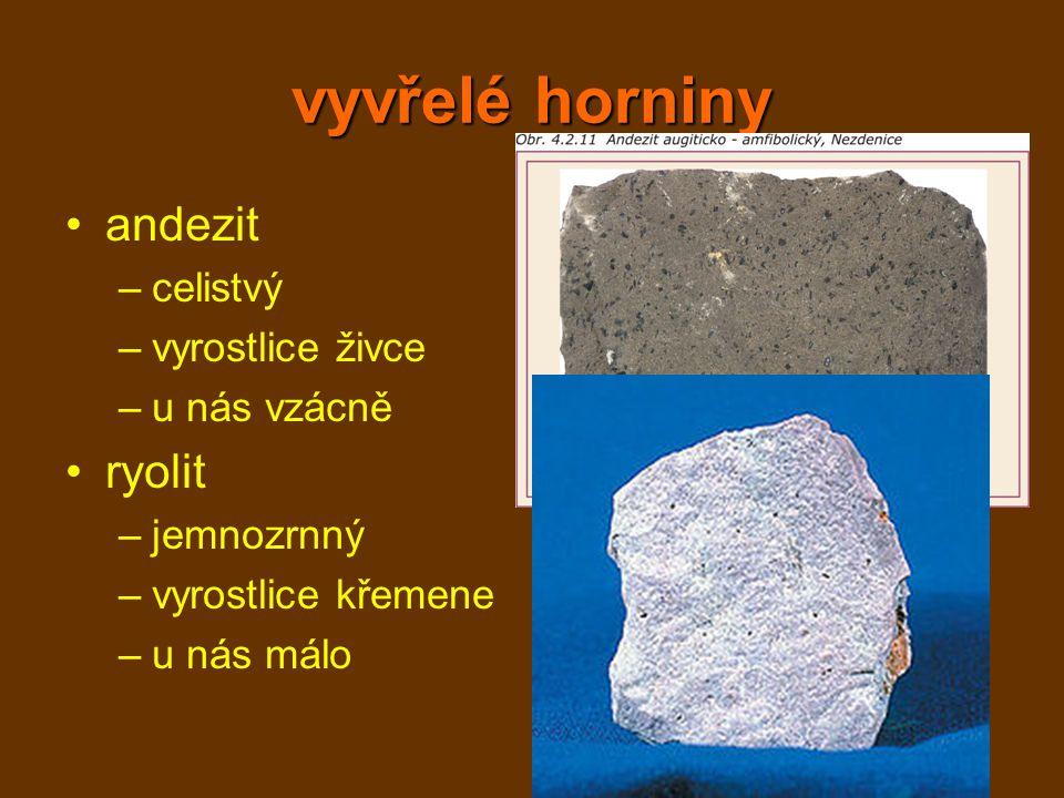 přeměněné horniny mramor –z kalcitu a dolomitu nebo vápence –bílý nebo různě barevný –šmouhy = uzavřená organická hmota –stavebnictví, leštění - náhrobní kameny, … amfibolit –z čedičů –drobnozrnný, sloupečky –zrnka granátu, pásky –štěrk, dekorace