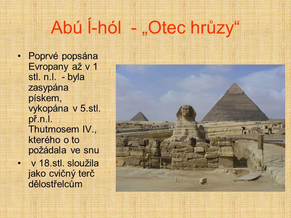 Údolí králů Údolí ve vápencových skalách na západním břehu Nilu nedaleko Vesétu.