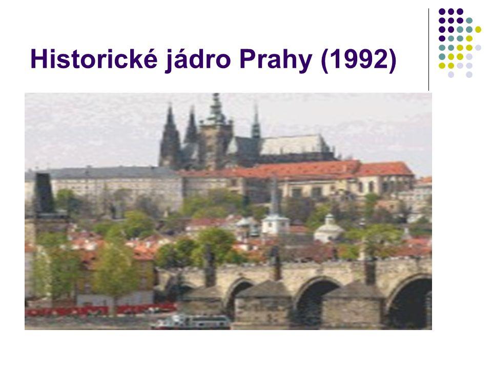 Lednicko-valtický areál (1996) knížata z Liechtensteinu proměnila svá panství mezi 17.