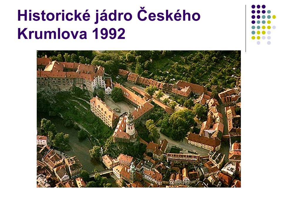Vesnice Holašovice (1998) Obec Holašovice je příkladem nejzachovalejší jihočeské lidové architektury z 18.