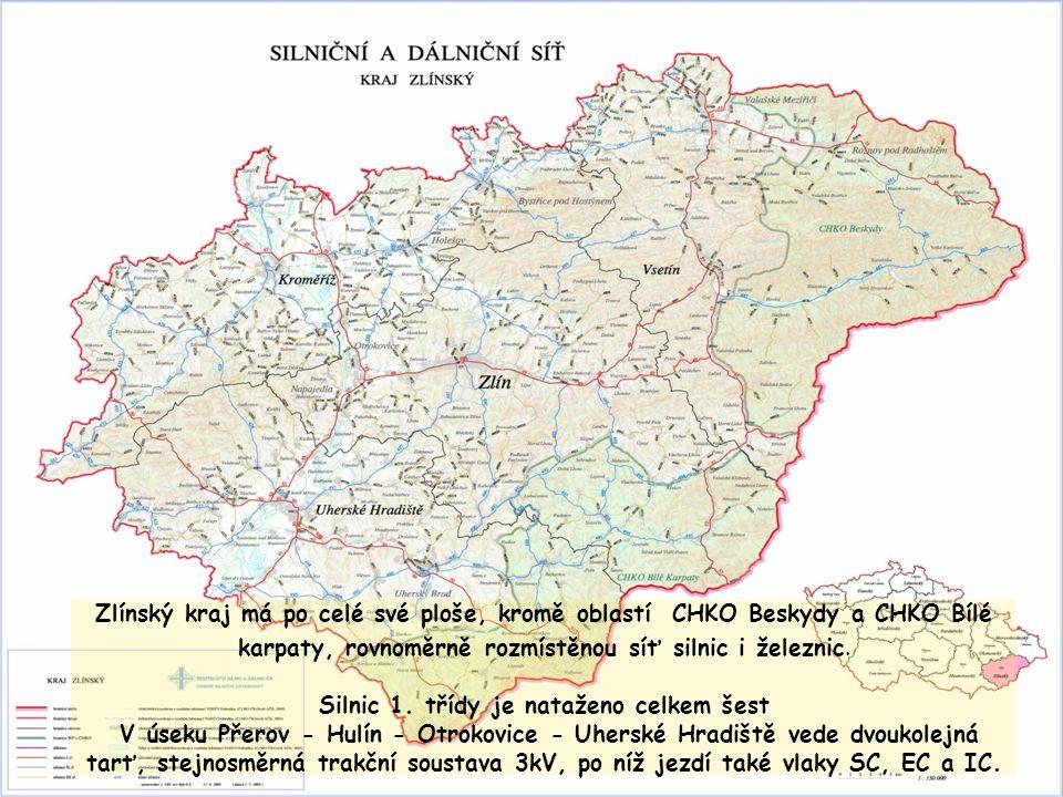 Zlínský kraj má po celé své ploše, kromě oblastí CHKO Beskydy a CHKO Bílé karpaty, rovnoměrně rozmístěnou síť silnic i železnic. Silnic 1. třídy je na