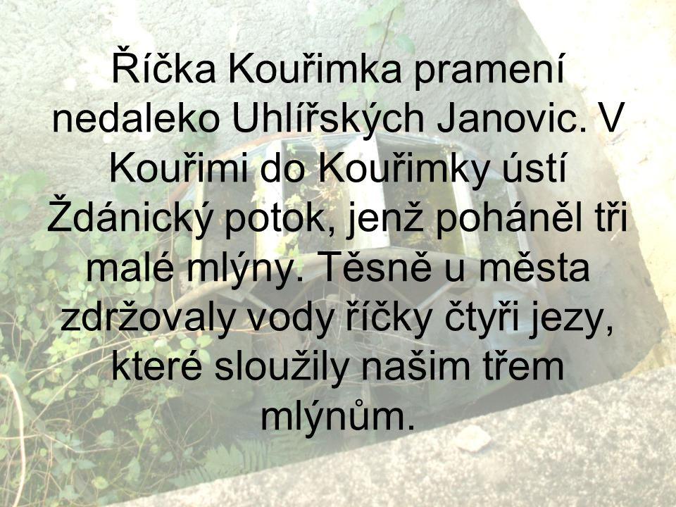Říčka Kouřimka pramení nedaleko Uhlířských Janovic. V Kouřimi do Kouřimky ústí Ždánický potok, jenž poháněl tři malé mlýny. Těsně u města zdržovaly vo