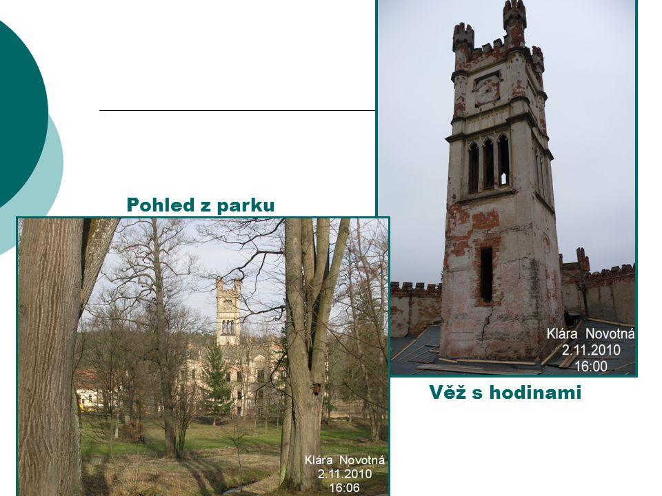 Věž s hodinami Pohled z parku
