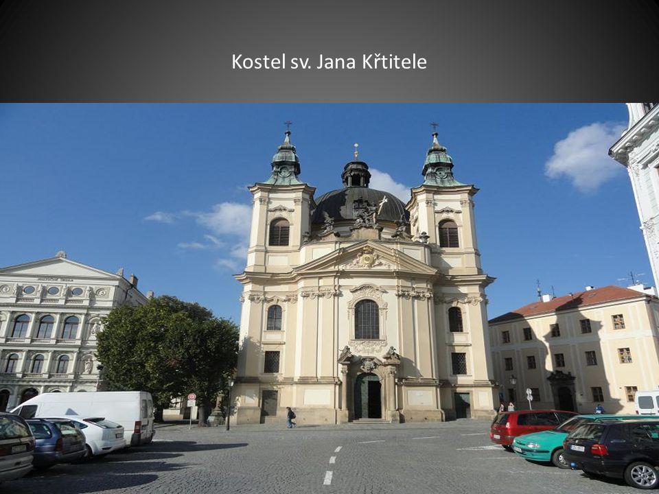 Boční pohled na kostel sv. Mořice