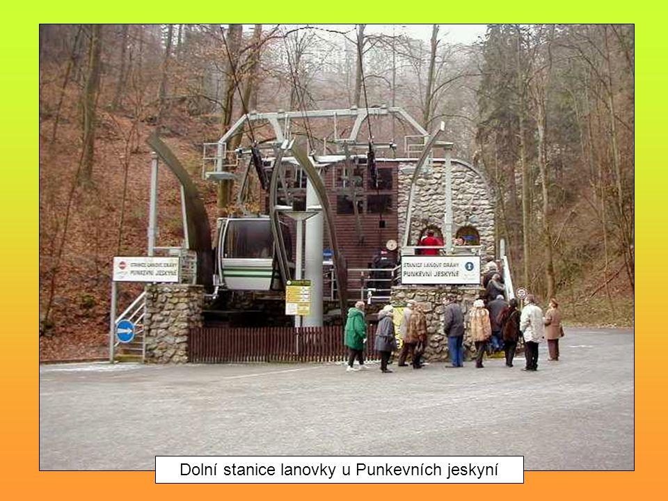 Dolní stanice lanovky u Punkevních jeskyní