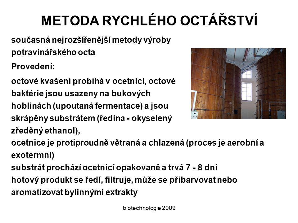 biotechnologie 2009 VITAMÍN C vitamínovou aktivitu má kyselina L-askorbová potřebují ji: člověk, primáti a morče příklad chemické syntézy doplněné biotechnologickým krokem Reichsteinova syntéza: D-glukóza → D- sorbitolkatalytická hydrogenace D- sorbitol → L-sorbózamikrobiální oxidace, Bacterium xyllinum L-sorbóza → diacetonsorbóza k ochraně primárně alkoholických skupin diacetonsorbóza → diaceton-2-keto-L-gulonová kyselina oxidace → L-askorbová kyselinahydrolýza, laktonizace a enolizace Alternativa: L-sorbóza → 2-keto-L-gulonová kyselina přímá oxidace pomocí Acetobacter