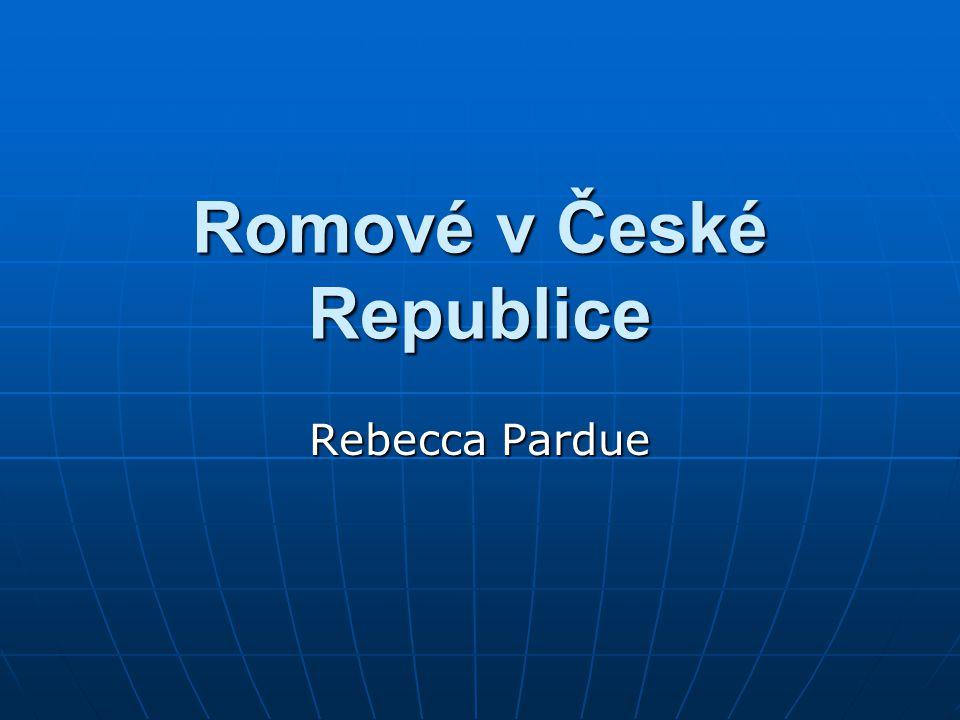 Introdukce 250,000 do 300,000 Romů v České Republice 250,000 do 300,000 Romů v České Republice 8,000,000 v Evrope 8,000,000 v Evrope Menšina bez státní příslušnosti Menšina bez státní příslušnosti Kultura je odlišná od Česká kultura Kultura je odlišná od Česká kultura Evropané imají mnoho špatných představ o romským populaci Evropané imají mnoho špatných představ o romským populaci