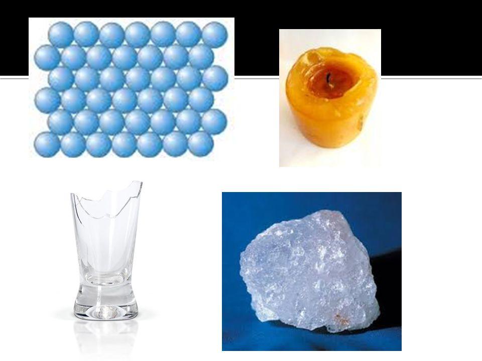  Různé vlastnosti plynů, kapalin a pevných látek souvisejí s odlišným uspořádáním částic v různých skupenstvích a také s odlišným silovým působením mezi částicemi.