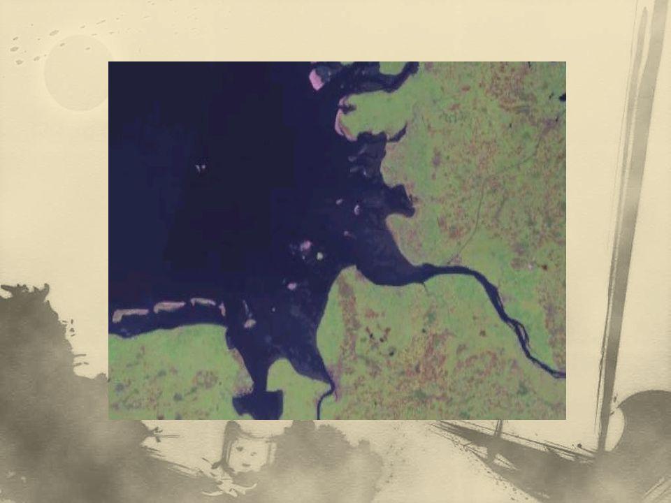 nejdůležitějším modelačním činitelem pobřeží je mořský příboj – eroze (abrazní terasa, pobřežní útes), transport, akumulace (pláž, předbřežní val) orbitální pohyb vodních částic při vlnění – vlna postupuje, vodní částice zůstávají na místě hloubkový dosah vlnění je cca 50 m vlna se při svém postupu v mělké vodě láme