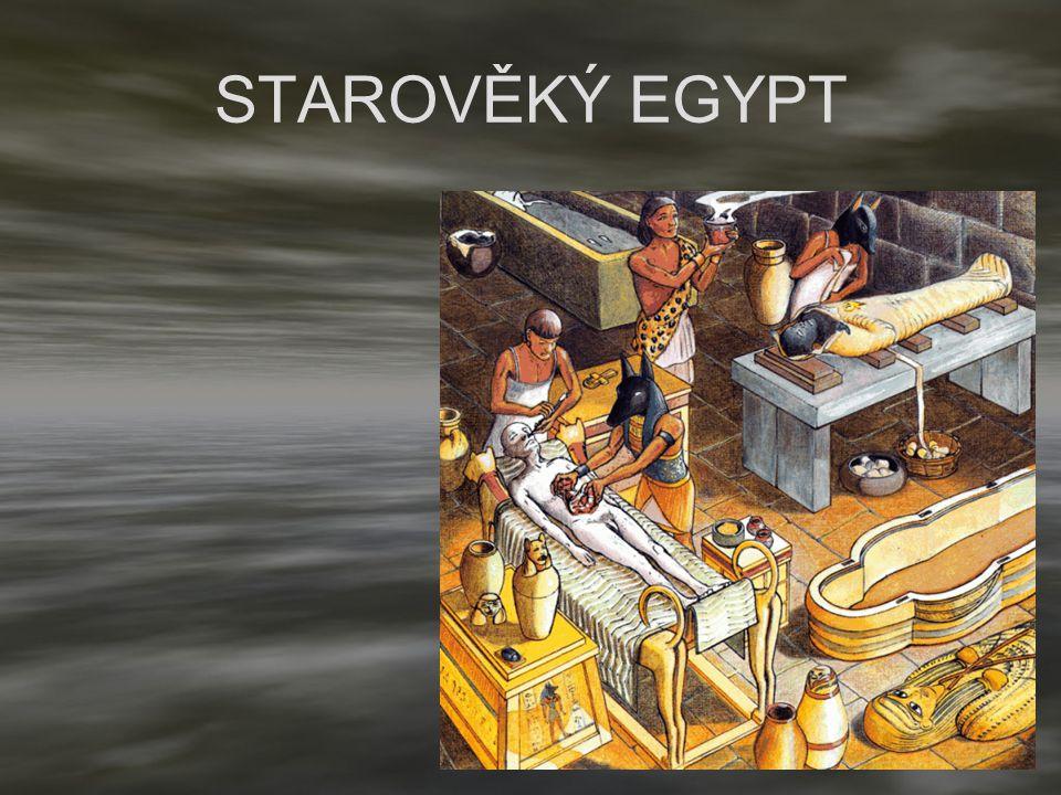 Ebersův papyrus STAROVĚKÝ EGYPT Znalosti anatomie prostřednictvím balzamování mrtvých Znalosti o patologických změnách na orgánech Vysoká úroveň hygieny