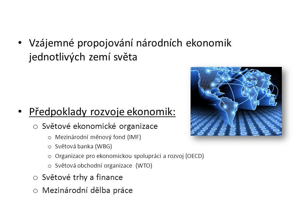 Sféry hospodářství: A) Výrobní sféra Rozvojové země (zaměstnanost) 1) Primární sektor (primér, prvovýroba) o Zemědělství, lesnictví, lov, rybolov, těžba 2) Sekundární sektor (sekundér, druhovýroba) o Průmysl, doprava, stavebnictví B) Nevýrobní sféra Vyspělé země (zaměstnanost) 3) Terciární sektor (terciér, obslužná sféra) o Služby, nemocnice, kultura, cestovní ruch, úřady, vojsko 4) Kvartérní sektor (kvartér) o Věda a výzkum