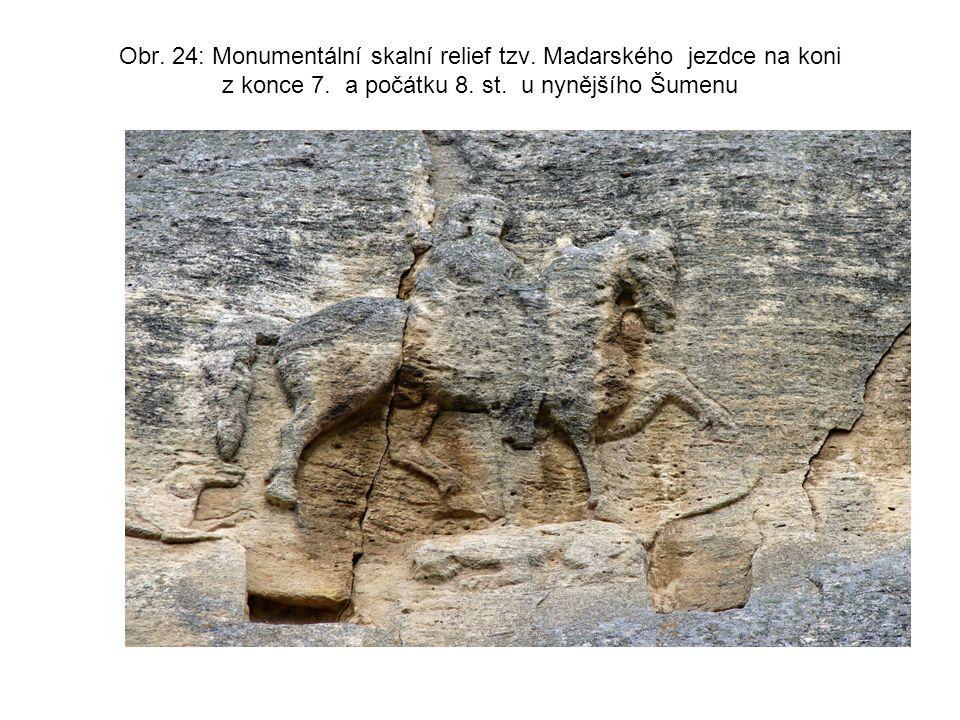 Obr. 24: Monumentální skalní relief tzv. Madarského jezdce na koni z konce 7. a počátku 8. st. u nynějšího Šumenu