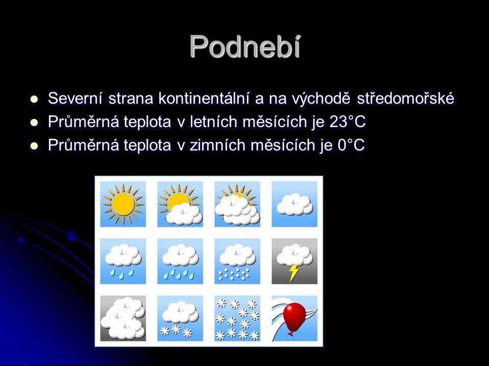 Podnebí Severní strana kontinentální a na východě středomořské Severní strana kontinentální a na východě středomořské Průměrná teplota v letních měsíc