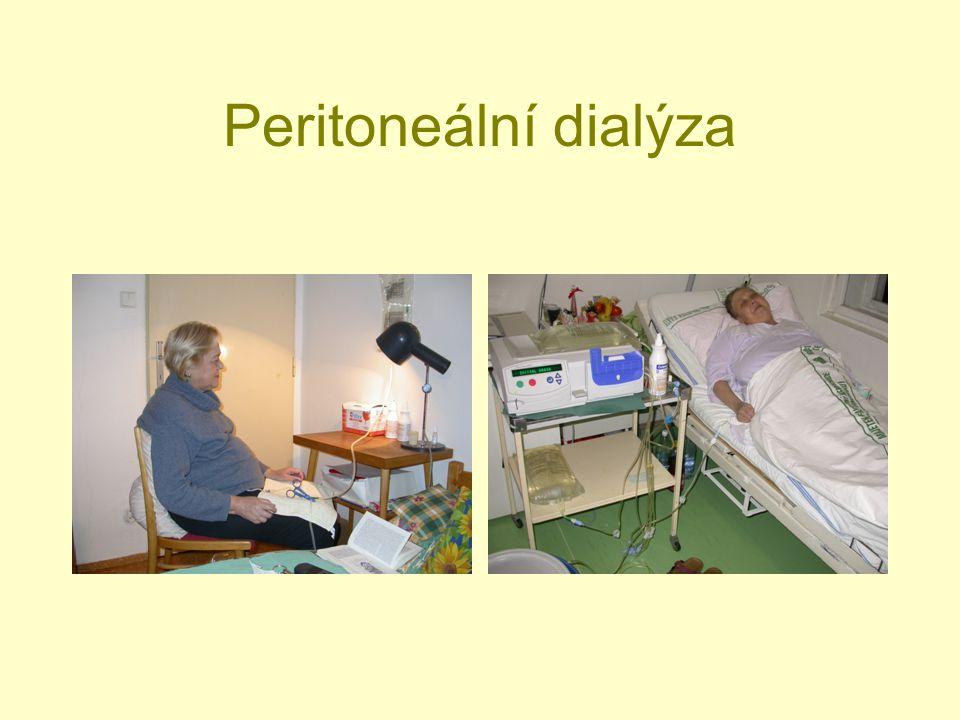 Renální osteopatie.Deficit kalcitriolu → kompenzatorní vzestup PTH.