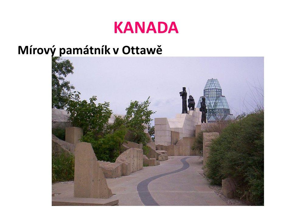 KANADA Mírový památník v Ottawě
