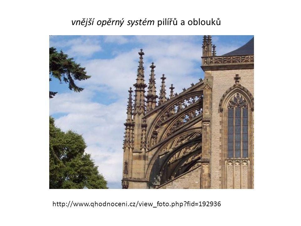 http://www.qhodnoceni.cz/view_foto.php?fid=192936 vnější opěrný systém pilířů a oblouků