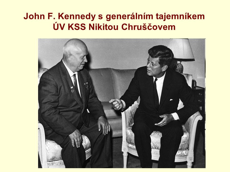 John F. Kennedy s generálním tajemníkem ÚV KSS Nikitou Chruščovem
