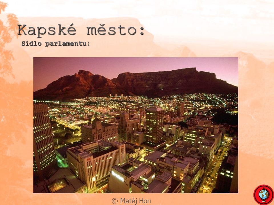 © Matěj Hon Kapské město: Sídlo parlamentu: