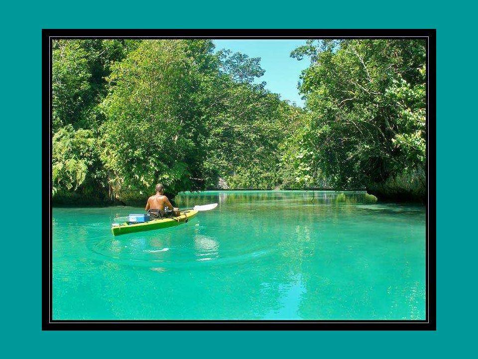 Nejlepší doba pro návštěvu neexistuje, protože do Mikronésie se dá jet kdykoliv. Moře je teplé po celý rok, teplota se dvanáct měsíců v roce pohybuje