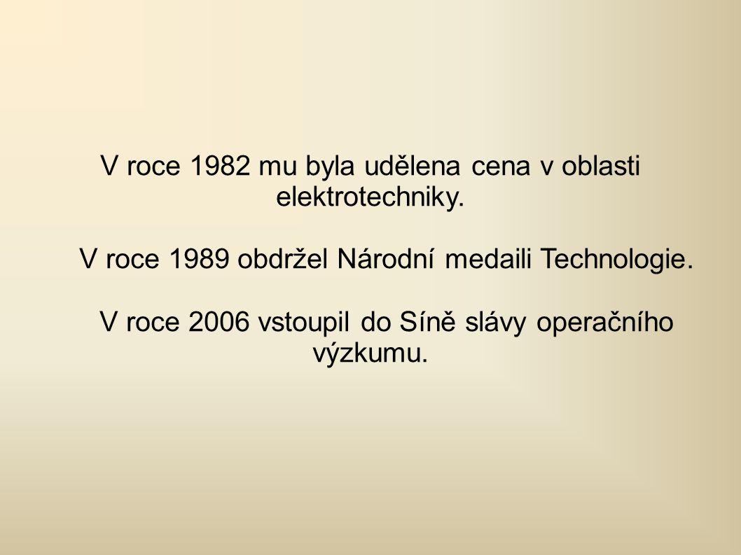 V roce 1982 mu byla udělena cena v oblasti elektrotechniky.