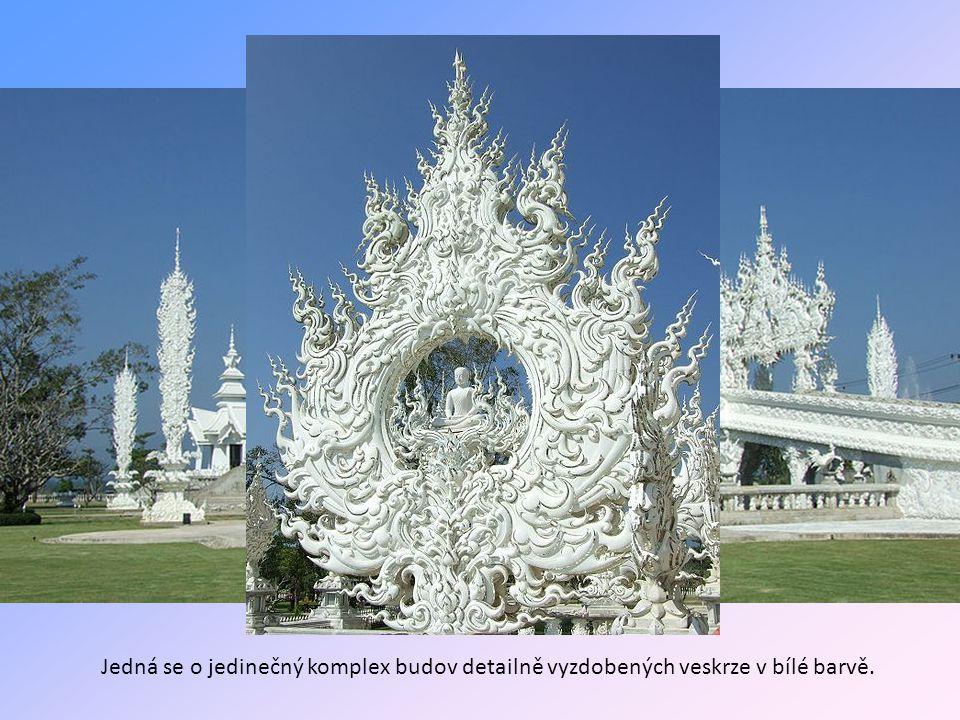 Bílý chrám Wat Rong Khun v Thajsku
