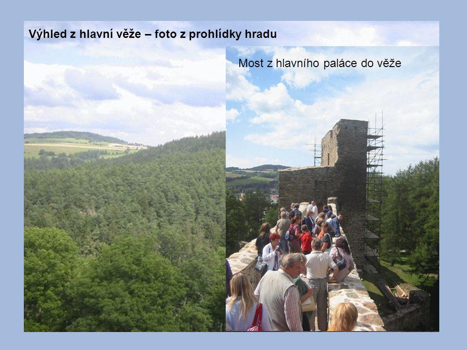 Výhled z hlavní věže – foto z prohlídky hradu Most z hlavního paláce do věže
