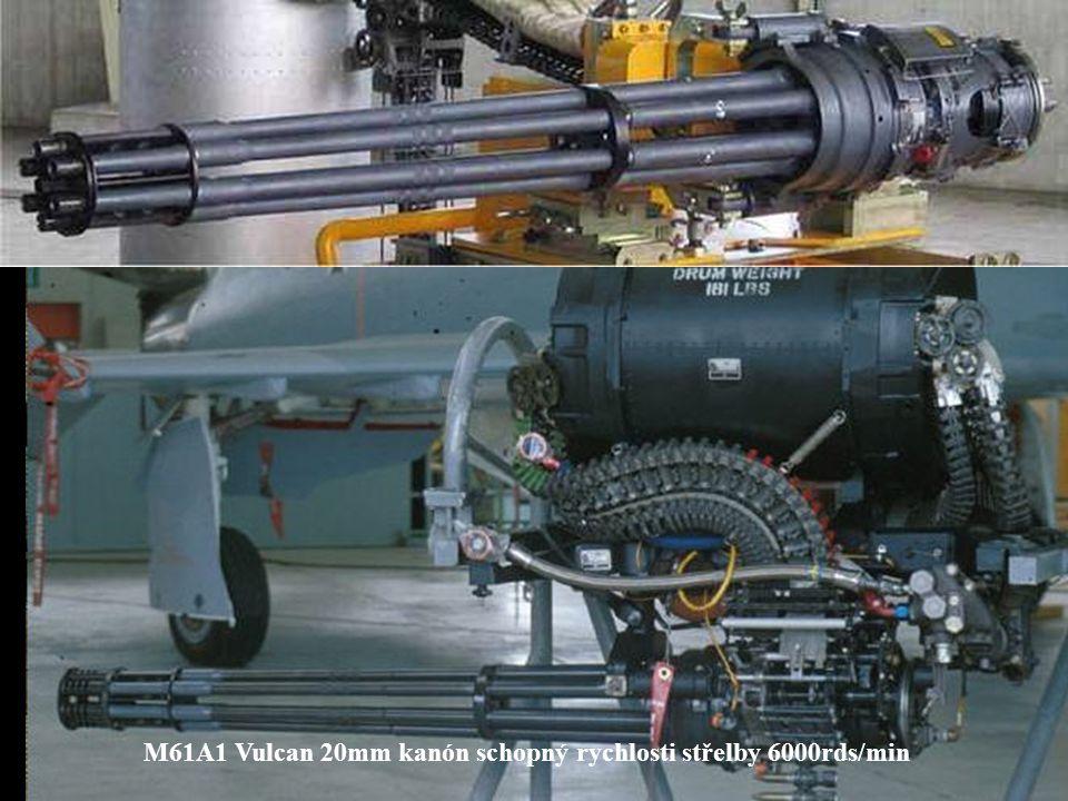 V přídi F/A-18 Hornet je jeden M61 Vulcan 20mm, šestihlavňová děla s elektrickým ovládánmí a vysokou rychlostí palby.