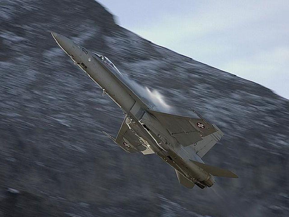 M61A1 Vulcan 20mm kanón schopný rychlosti střelby 6000rds/min